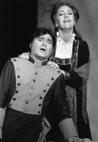 E. Mark Delavan as Escamillo, Cleopatra Ciurca as Carmen. Cast 1