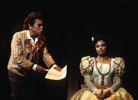 Pablo Elvira as Figaro, Janet Williams as Rosina