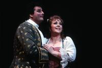 Marcello Giordani as Chevalier Des Grieux, Ruth Ann Swenson as Manon. Cast 1