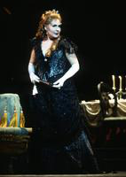 Susan Patterson as Violetta