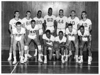 Portrait of the 1957-1958 basketball team.