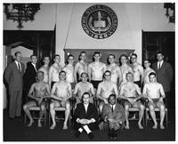 A portrait of the 1960-1961 swimming team.