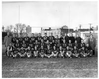 Portrait of the 1960 football team.