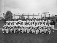 1989 baseball team portrait.