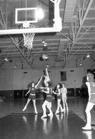 1985 women's basketball action shot versus Ferris State.