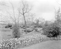 Michigan; Cities; Bloomfield Hills; Residences; Mrs. Fred Wardele; Gardens.