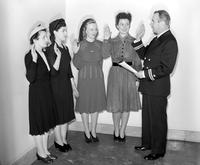 Wars; World; # 2;  U. S. Navy; Women; Detroit; WAVES. - First WAVES to Be Sworn in at Detroit . Lt. John Howard, Betty McCullough, Mary C. Anderson, Ellen Lorimer, Virginia Cricchi