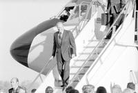 "Ford, Gerald R. ; United States President. -In Detroit for ""Michigan For Milliken"" Banquet. -At Metro Airport"