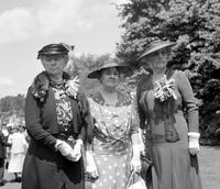 Ford, Mrs. Henry; Groups; Women. With Mrs. Henry King & Mrs. Murray Boocock.--Party for the Nat'l convention of the Woman's National Farm & Garden Association