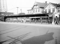 Street Railways; Passengers; Loading Station At East Jefferson & Grand Boulevard.--For Belle Isle coach station at approach to Belle Isle bridge, See: Belle Isle - Coach Station