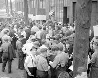 Strikes; Bohn Aluminum & Brass Corporation; Detroit. -Strikers Leaving Plant
