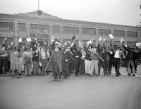 Strikes; Chevrolet Gear & Axle Company; Detroit. -Workers Protesting Strike