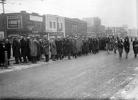 Street Railways; Passengers; Crowds Waiting For Cars At Hudson Plant.