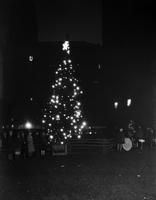 Christmas Scenes; Detroit; 1928. - Municipal tree at night.