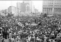 Ali, Muhammad; Former Heavyweight Champ. -In Detroit. -Crowd at Kennedy Square.