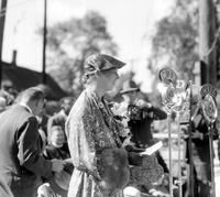 Roosevelt, Mrs. Franklin D. ; In Detroit. Opening slum clearance project at 651 Benton Street.