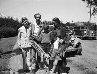 Piccard, Prof. Jean  & Family. Mrs. Piccard, John (14 years) Paul (10 yrs), Donald (8 years). Died 01/28/63.