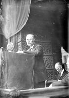 Harding, Warren G. ; United States President; . - Funeral Services at City Hall. - John C. Nagel Speaking.