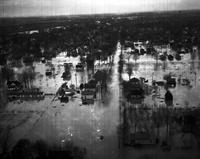 Floods; Michigan; Mt. Clemens. Houses.