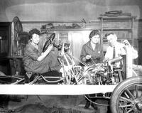 Wars; World; 1; Women; Assembling Cars