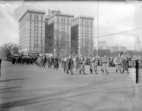Communists; Detroit. -Parade & Funeral of Ford Riot Victims. -Parade Scene. -At Art Center