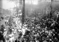 Wars; World; # 1; Parades; Red Arrow; 32nd Division; Crowds. -Return of 32nd Division