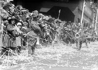 Wars; World; # 1; Parades; Red Arrow; 32nd Division. -Crowds