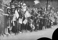 Wars; World; # 1; Parades; Red Arrow; 32nd Division. -Return to Detroit. -Crowds