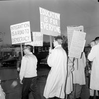 Picketing; Detroit. -Rini's Market