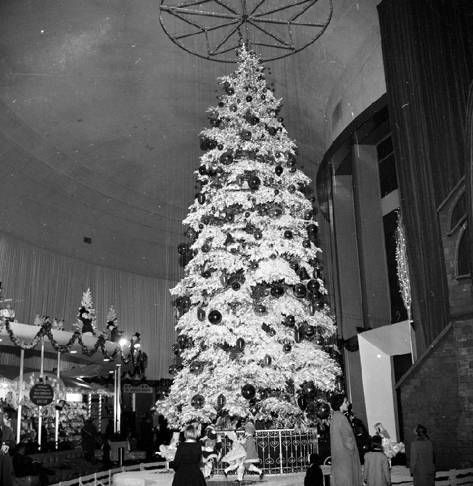 Christmas tree in the Ford Rotunda